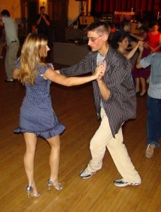 Active singles and social dancing